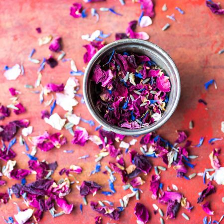 Enchanted-Forest-Wedding-Confetti-in-a-cup